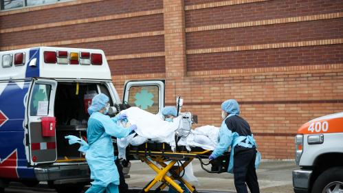 Coronavirus : plus de 2 700 morts en 24 heures aux Etats-Unis, l'un des pires bilans journaliers
