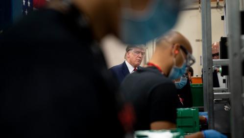 """""""Nous avons un pays formidable, il ne faut pas le laisser à l'arrêt"""" : Donald Trump en quasi-campagne en Arizona"""