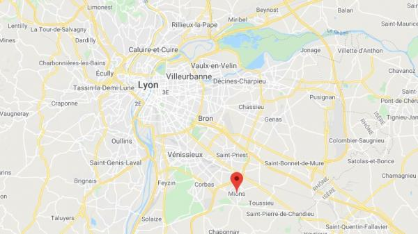 Trafic de cigarettes : un camion se fait braquer au sud de Lyon, à la sortie du plus gros centre de réapprovisionnement du Rhône