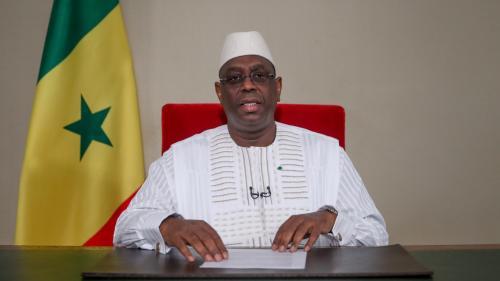 Sénégal : Macky Sall annonce la réouverture partielle des marchés, écoles et lieux de cultes
