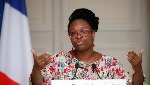 Vrai ou fake : la porte-parole du gouvernement a-t-elle fait une erreur dans une déclaration concernant les tests liés au coronavirus ?