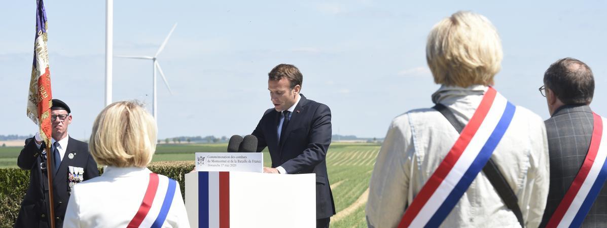 Le président de la République, Emmanuel Macron, le 17 mai2020 à La-Ville-aux-Bois-les-Dizy (Aisne).