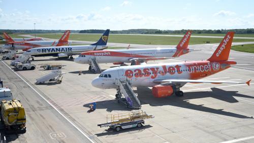 """Coronavirus : la compagnie aérienne Easyjet veut reprendre certains vols à partir du 15 juin, """"essentiellement au Royaume-Uni et en France"""""""