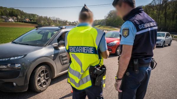 """Week-end de l'Ascension : """"L'objectif, c'est de faire preuve de pédagogie"""" sur la règle des 100 km, assure la porte-parole de la gendarmerie nationale"""