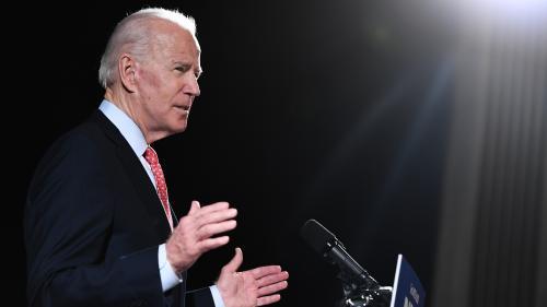 """Etats-Unis : le candidat démocrate Joe Biden estime qu'un Noir n'est """"pas noir"""" s'il pense voter Trump"""