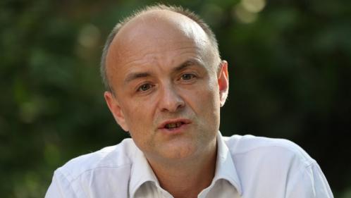 """Royaume-Uni: accusé d'avoir enfreint les règles du confinement, Dominic Cummings, conseiller de Boris Johnson, estime avoir agi de façon """"légale et raisonnable"""""""