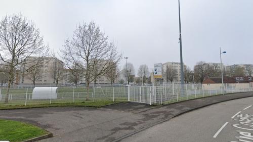 """Bas-Rhin : un match de foot inter-quartiers réunit 400 personnes à Strasbourg, la mairie promet des """"sanctions très sévères"""""""