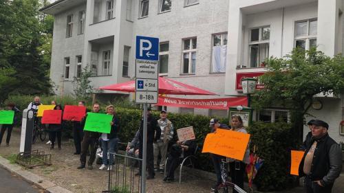 """""""C'est une injustice"""" : à Berlin, des propriétaires de bars manifestent pour pouvoir profiter du déconfinement"""