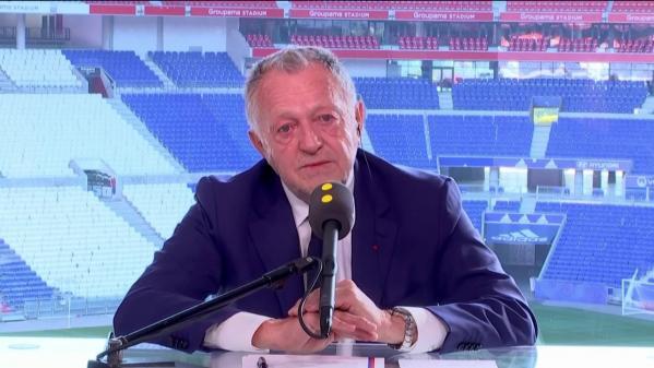 """VIDEO. Jean-Michel Aulas, président de l'OL, réclame aussi, """"bien sûr"""", la reprise du championnat féminin de D1, où Lyon a terminé en tête"""