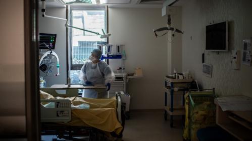 Coronavirus: la décrue continue dans les services de réanimation français, avec 1361malades atteints d'une forme sévère de Covid-19 et hospitalisés, 68 de moins que jeudi