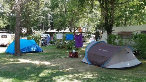 """""""On espère pouvoir sauver notre saison"""" : même avec des contraintes, les gérants de campings s'enthousiasment de leur réouverture"""