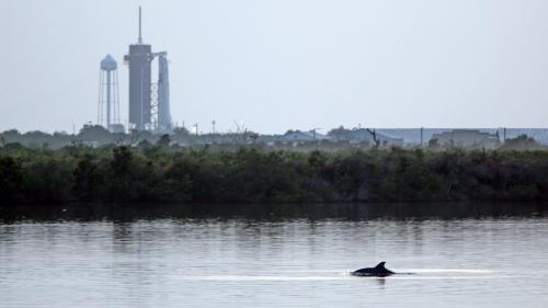 SpaceX va retenter de lancer son premier vol habité samedi