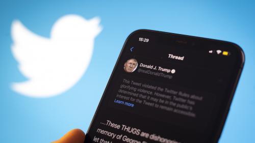 Etats-Unis : Donald Trump peut-il réguler Twitter et les autres réseaux sociaux, comme il affirme vouloir le faire ?