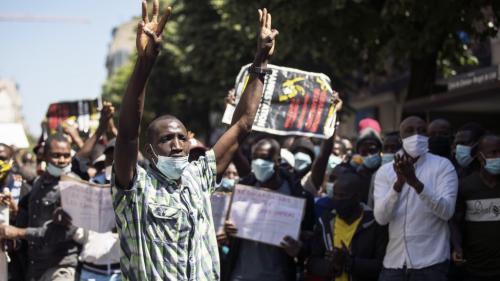 Des sans-papiers manifestent à Paris malgré l'interdiction de la préfecture