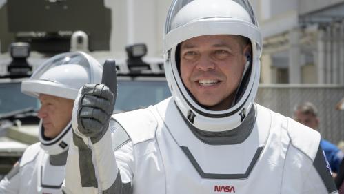 EN DIRECT. SpaceX : le début d'une ère nouvelle ? Regardez le décollage de la fusée habitée Falcon-9 en direction de la Station spatiale internationale