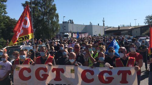 VIDÉO. Renault : des milliers de personnes manifestent à Maubeuge contre le plan d'économies