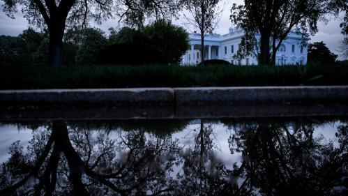 Mort de George Floyd : un blackout a-t-il été imposé à Washington après de violents affrontement devant la Maison Blanche ?