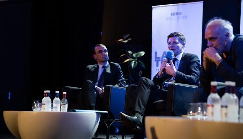 Municipales à Bordeaux : le candidat LREM Thomas Cazenave rallie la liste du maire sortant LR Nicolas Florian