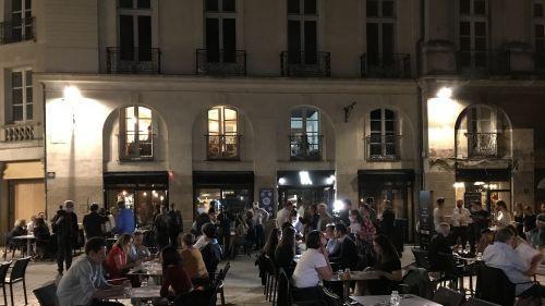 Déconfinement : à Nantes, le restaurant la Prison du Bouffay a reçu ses premiers convives à 0h01