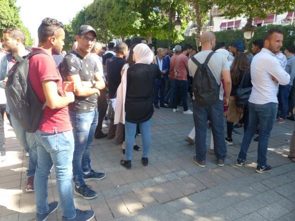 Rassemblement sur l\'avenue Bourguiba à Tunis de partisans de Kaïs Saïed, le (futur) chef de l\'Etat tunisien, pendant la campagne du 2e tour de la présidentielle, le 11 octobre 2019