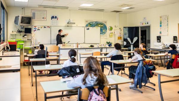 Covid-19 : des badges pour les enseignants méritants