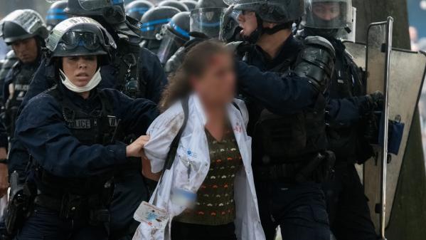 Manifestation des soignants : ce que l'on sait de l'interpellation d'une infirmière sur l'esplanade des Invalides