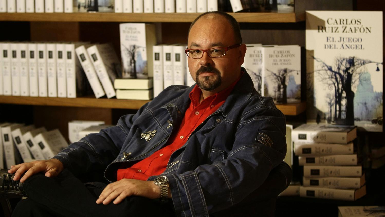 L'écrivain espagnol Carlos Ruiz Zafon, auteur de  L'Ombre du vent , est mort à l'âge de 55 ans