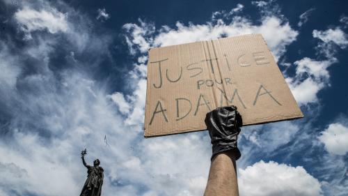 Affaire Adama Traoré : le Défenseur des droits réclame pour la deuxième fois aux juges d'instruction une pièce importante du dossier