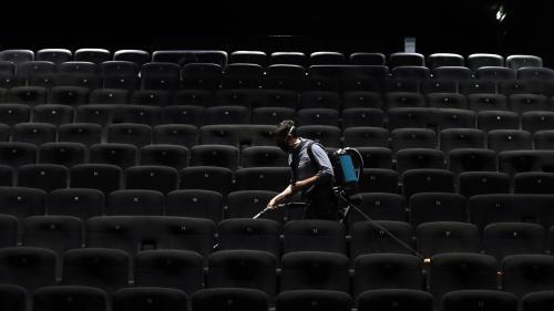Gel, espacement des sièges, aération des salles...Visite d'un cinéma prêt pour son déconfinement