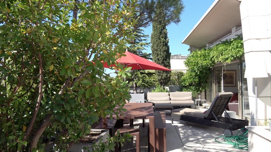 Jardin. Balcon, terrasse. Comment se protéger du soleil... et des regards