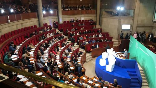 """Climat : 45 parlementaires écrivent à Emmanuel Macron pour demander un """"grand projet de loi"""" s'inspirant des propositions de la Convention citoyenne"""