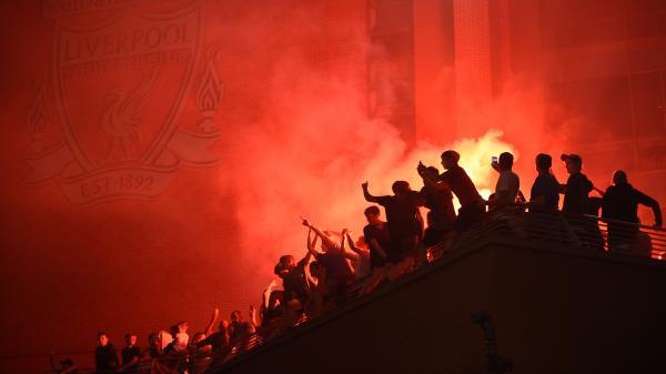"""Football : Liverpool condamne l'attitude """"inacceptable"""" de ses fans en pleine pandémie de coronavirus"""