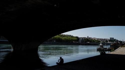 Rhône : un adolescent saute d'un pont et se noie près de Lyon