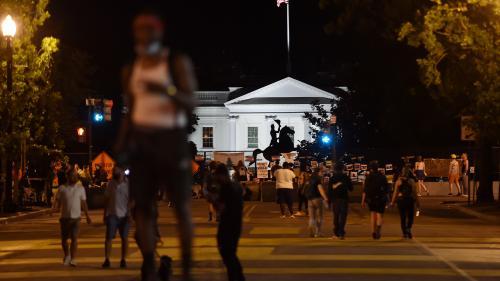 Etats-Unis : quatre hommes inculpés pour avoir tenté de déboulonner une statue face à la Maison Blanche