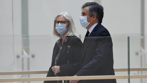 Affaire Fillon : l'ex-Premier ministre condamné à cinq ans de prison dont 2 ans ferme, sa femme à 3 ans avec sursis pour des emplois fictifs