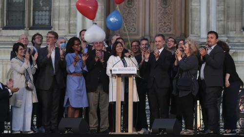 """""""Elle n'a pas eu peur de déplaire"""": des Parisiens saluent la réélection d'Anne Hidalgo aux municipales2020"""