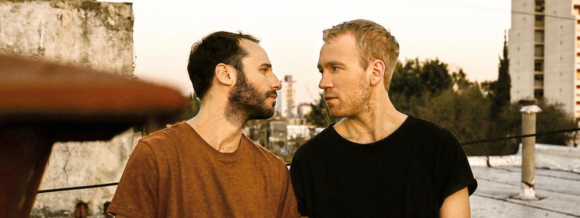 """Juan (Alfonso Barón) et Gabriel (Gaston Re) colocataires et amants dans \""""Le colocataire\"""" de Marco Berger."""