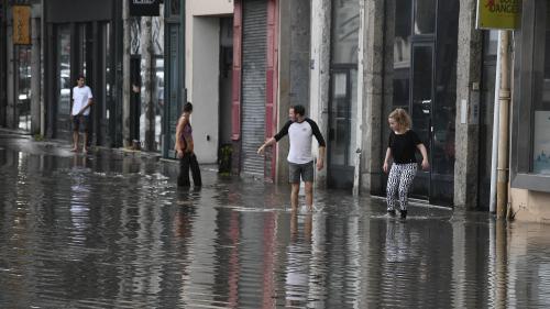 VIDEO. Météo : les rues de Lyon inondées après le passage d'un violent orage