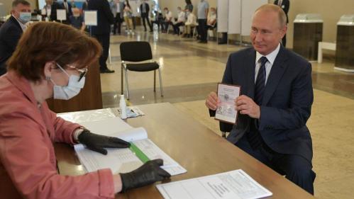 Russie : le référendum permettant à Vladimir Poutine de rester au pouvoir jusqu'en 2036 largement adopté