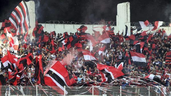 Planète Sport : En Algérie, les supporters de foot jouent les premiers rôles dans le hirak