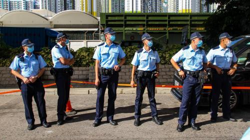 Loi sur la sécurité nationale à Hong Kong : la police dotée de vastes pouvoirs de surveillance