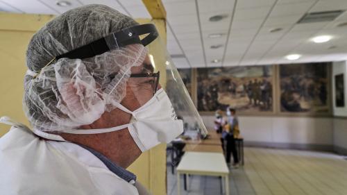 """Coronavirus : la France enregistre 32 nouveaux décès lors des dernières 24 heures, la situation dans l'Hexagone jugée """"stable"""""""