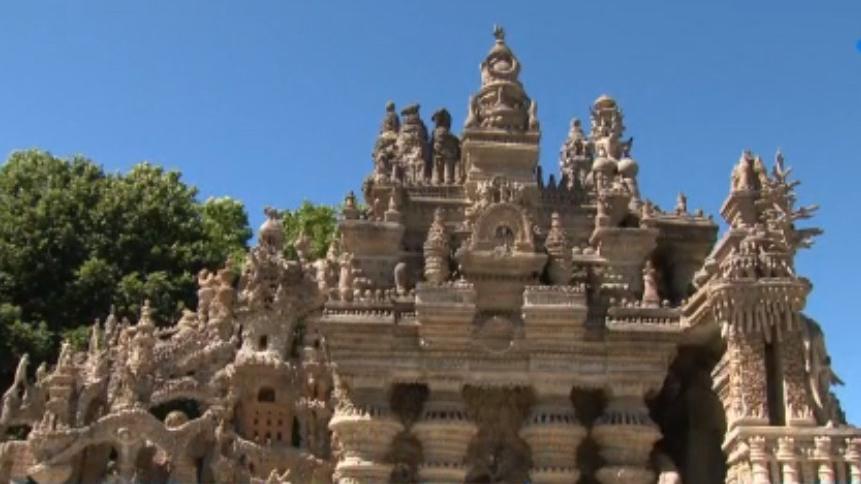 Culture : le palais idéal du facteur Cheval, un chef d'œuvre d'architecture naïve