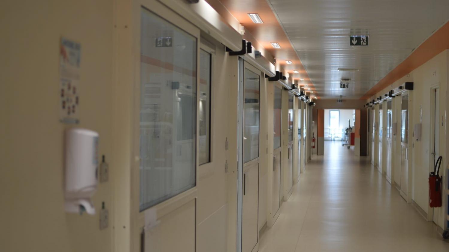 """""""Ce n'est pas fini, ça continue"""" : à Melun, l'hôpital soigne à nouveau des malades du Covid-19"""