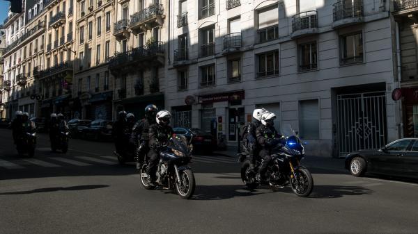 """Que sont les Brav, ces brigades de policiers à moto évoquées par les """"gilets jaunes"""" qui ont pris à partie Emmanuel Macron aux Tuileries?"""