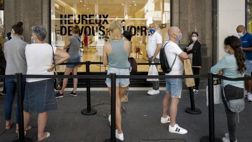 En France, les consommateurs sont-ils prêts à payer plus pour sauver la planète ? Le journaliste Alexandre Peyrout décrypte la tendance sur le plateau du 19/20, jeudi 29 juillet.