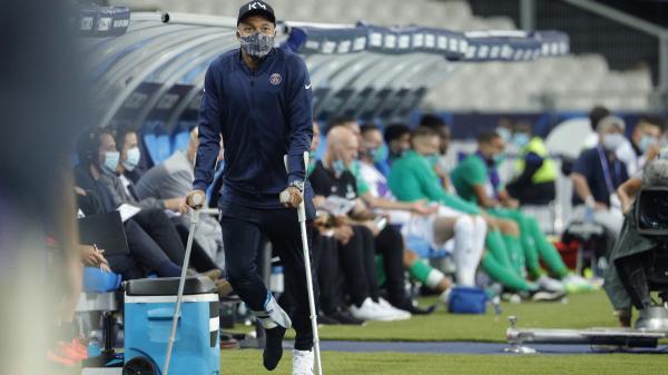 Foot : Paris remporte la Coupe de France face à Saint-Etienne (1-0) mais perd Kylian Mbappé, blessé à la cheville