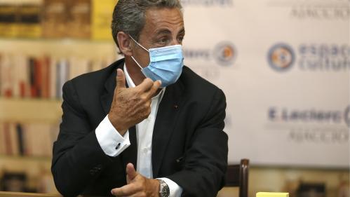"""Nicolas Sarkozy plaide pour le volontarisme face à la crise et met en garde Emmanuel Macron contre l'""""arrogance"""""""