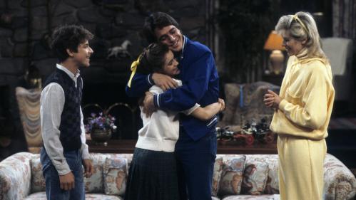 """""""Madame est servie"""" : trente ans après, la famille Micelli reprend du service dans la série culte"""