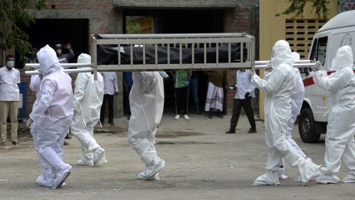 Coronavirus : la pandémie a fait plus de 700 000 morts dans le monde